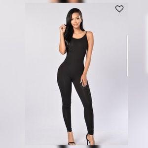 season jumpsuit  black very good condition